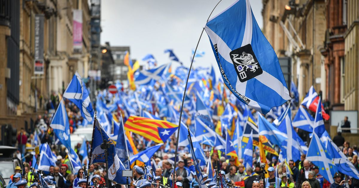 0_BESTPIX-All-Under-One-Banner-Pro-Independence-March-Takes-Place-In-Central-Glasgow